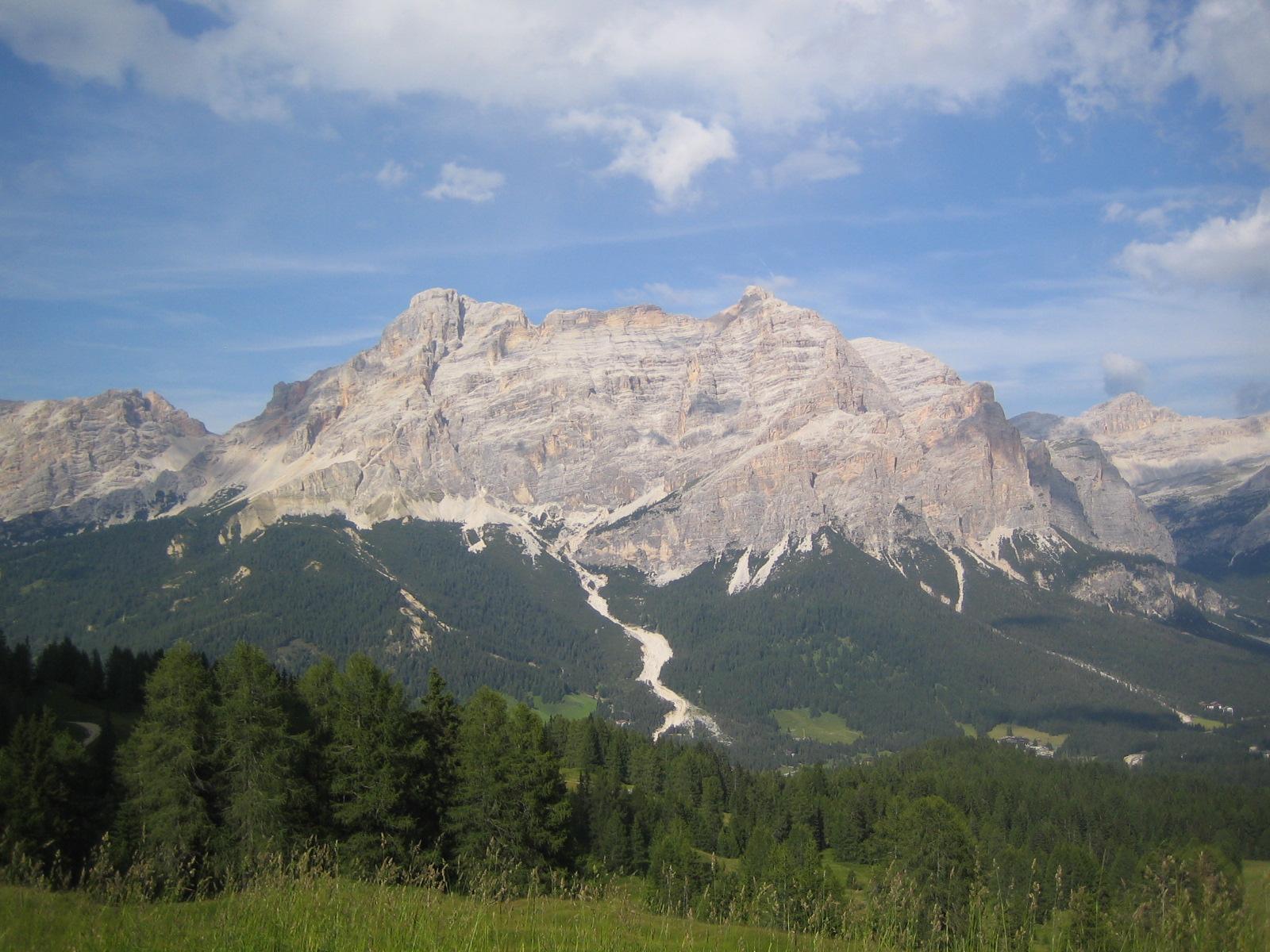 Tag 4: Blick vom Rifugio Pralongia richtung Fanes Gruppe